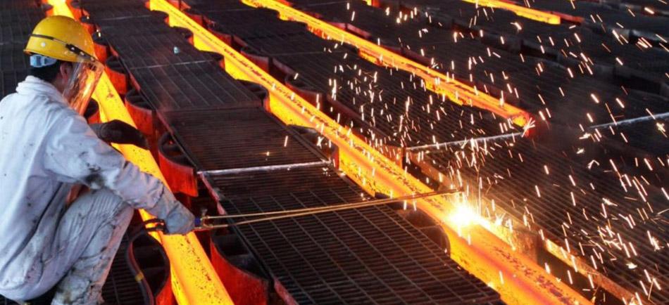 Demir-Çelik Sektöründe İş Sağlığı Güvenliği - Erataş İş Güvenliği Ekipmanları